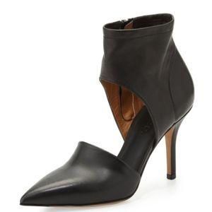 Vince Cristina Black Heels. Size 9M (40 EUR)